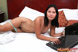 Asians 24 7 Sexy Jeny Getting Nude For You Live Asians 24 7 511818.