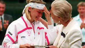 Jana Novotna on Wimbledon defeat and the Duchess of Kent's comforting words  - archive video - YouTube