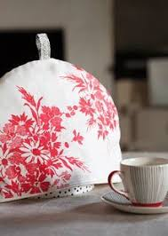 Quilted Christmas Tea Cozy, Cardinals, Tea Pot Mat, Trivet, Winter ... & How to make a tea cosy Adamdwight.com