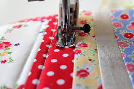 i have to say...: sew along with me!: simple straight-line machine ... & Go slow until you feel the rhythm of quilting. This may take a while. Adamdwight.com