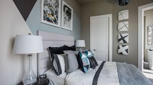 Oasis Bedroom Furniture Hgtv Urban Oasis 2014 Guest Bedroom Leather Padded Headboard