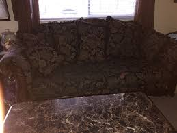 50 inch round table plus 4 chairs table needs polishing seat cushions clean very sy set will throw in the curio cabinet for in detroit