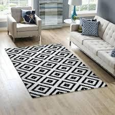 5 x 8 rug abstract diamond trellis area rug in black and white lifestyle 5 x