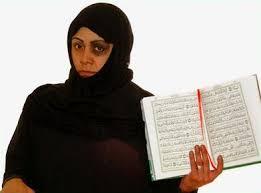 Bildresultat för kvinna i svart huckle