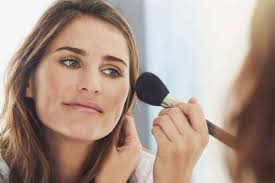7 sneaky ways you re applying makeup all wrong according to top makeup artists