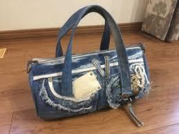 デニムバッグの作り方 必要なもの デニムリメイクでバッグを作りたいときに必要なものは、以下の通りです。 ・ジーンズ ・お好みの柄の古着(裏地用) あとは、基本的な裁縫道具があれば作れます。 デニムリメイクの2wayドラム型バッグの作り方 Toshi104