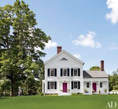 Beautiful White Houses That Suit Any Style Exterior Paint Colors - Farmhouse exterior paint colors