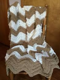 Bernat Crochet Patterns Adorable Super Fast Afghan Using The Bernat Blanket Yarn A Chevron Pattern