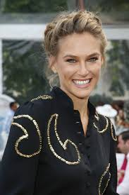 The Weekend Hair Style victorias secret model bar refaeli wears a crown braid as a 5441 by wearticles.com