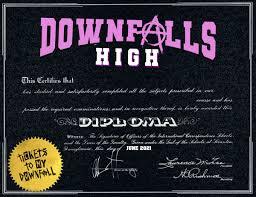 DOWNFALLS HIGH / GRADUATION MAKER