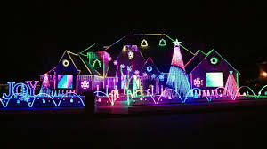 When Was The Great Christmas Light Fight Filmed Miranda Family Dazzles With Sychronized Lights The Great Christmas Light Fight
