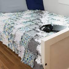 10 best Rag Quilts images on Pinterest | Costura, Cast on knitting ... & Rag Square dies to make a fast and easy rag quilt. Adamdwight.com