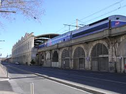 Car Rental Nimes Railway Station