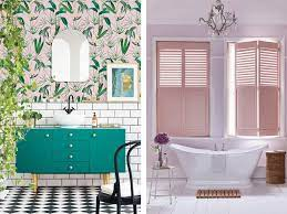 pink-bathroom-with-vibrant-wallpaper ...
