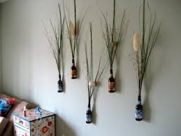 ahhh i love this so awesome, beer and flower wall decor :)