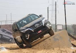 New Toyota Fortuner India Price, Specs, Pics, Mileage, Features
