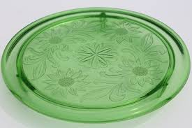 vintage green depression glass cake plate jeannette sunflower low plateau cake stand