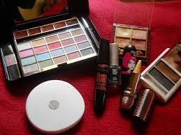 previousnext previous image next lakme pack of 9 makeup kit ping in stan lakme absolute bridal
