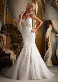 romantic wedding dress with a sweetheart neckline style 1612