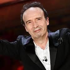 Roberto Benigni porta il Cantico dei Cantici a Sanremo 2020: La canzone più  bella mai scritta