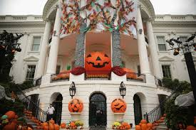 Does The White House Decorate For Halloween