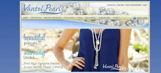 vantel pearls screenshot showing a woman in a blue shirt wearing a deled pearl necklace