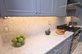 image of quartz countertops that look like carrara marble for kitchen