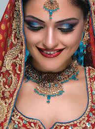 indian bridal makeup and matching jewelry luxurious look 51