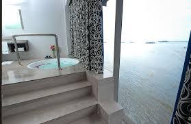 executive suite restroom2