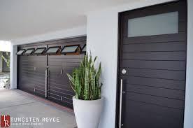 carriage doors carriage house garage door via