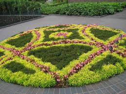 Garden, Inspiring Colourful Round Unique Trees Flower Bed Design Oramental  Pink Flowers Design: excellent
