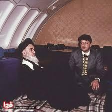 عصر امروز - عکس دیده نشده از امام خمینی(ره) در هواپیمای ایرفرانس