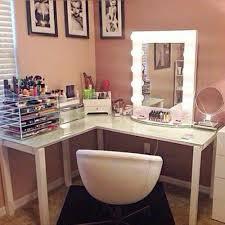Makeup Desk, Average Person, Desk Ideas, Kids S, Tumblr, Desks, Bedrooms,  Vanity, Girl Room Decor