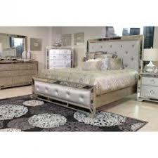 Pulaski Bedroom Furniture Sets