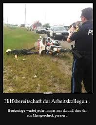 61558584 Hilfsbereitschaft Der Arbeitskollegen Lustige Bilder