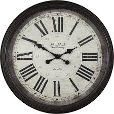 og round indoor wall clock
