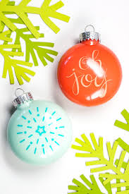 Custom Design Ornaments How To Apply Vinyl To An Ornament Hey Lets Make Stuff