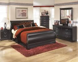 Huey Vineyard Dresser & Mirror | B128/31/36 | Bedroom Dressers With ...