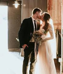 best 25 wedding kiss ideas on pinterest wedding pictures Wedding Dress Up Games With Kissing best 25 wedding kiss ideas on pinterest wedding pictures, wedding photos and bride groom photos Romantic Kisses Game