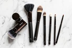 best makeup brushes to get that smooth even finish without a hle