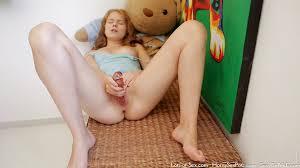 Petite Blonde Solo