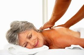 Résultats de recherche d'images pour «massages ayurvédiques personnes agées»