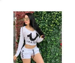 Doble de Emma Coronel conquista Instagram con sensual atuendo deportiv