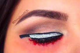 knifeliner cat eye makeup trend is the latest creepy cool trend