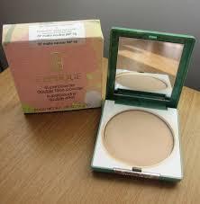 superpowder double face makeup bên trong hộp phấn có gương và bông tặng kèm
