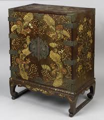 chest chest  on vietnamese wall art mother of pearl with lacquerware of east asia essay heilbrunn timeline of art history