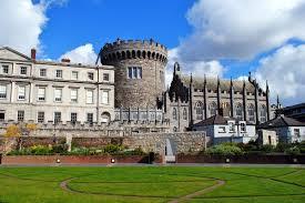 Risultati immagini per foto dell'irlanda città di castello