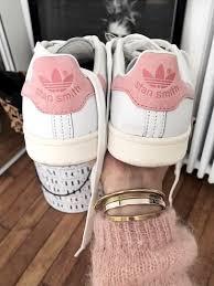 adidas shoes for girls stan smith. les accros aux stan smith risquent de fondre pour la version rose des fameuses baskets adidas shoes for girls o