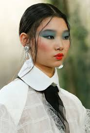 everything we see on the runway imately bees the standard for super glam makeup artist tom pecheux created an eighties inspired beauty look with