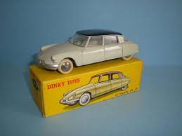 Dinky toys ds 19